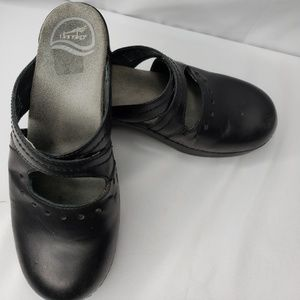 Dansko Black Leather Mules. Size 39.